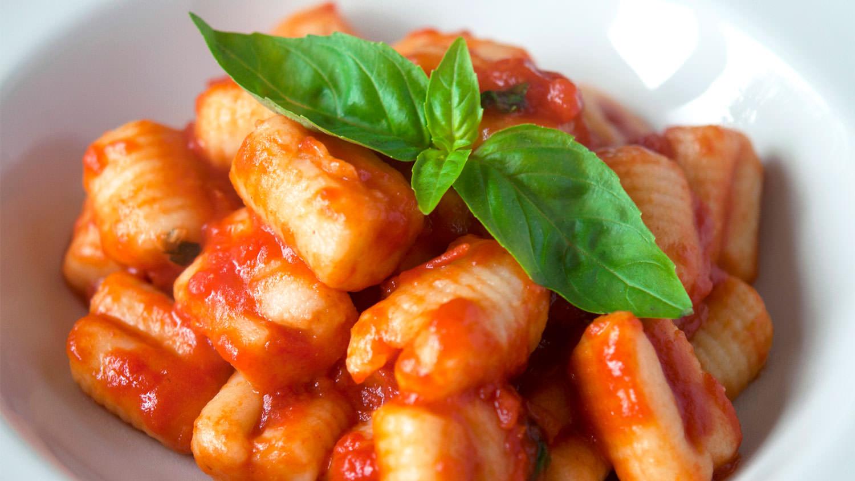 Gnocchi with tomato sauce | The Vegan Corner