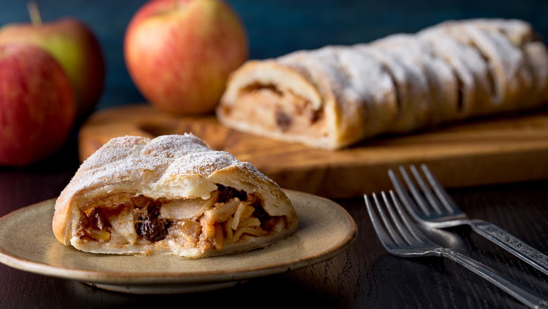 Штрудель с яблоками и творогом рецепт пошагово самый вкусный